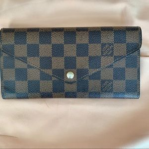 AUTHENTIC Louis Vuitton Josephine Damier Wallet